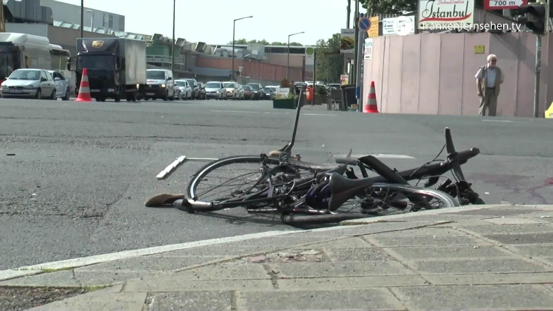Tödlicher Fahrrad-Unfall in der Nürnberger Südstadt | Franken Fernsehen